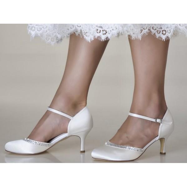 Adele, svadobné topánky